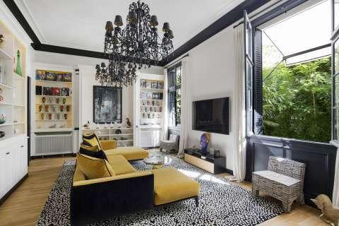 Living-room Wood floors Chandelier
