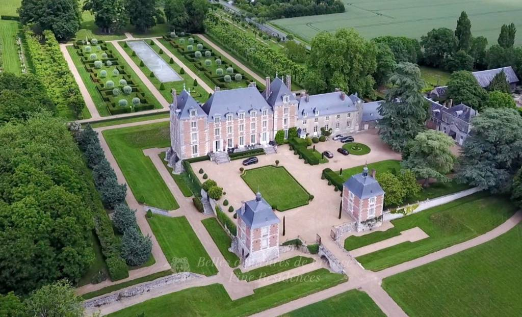 An exceptional listed Louis XIII style chateau set in 40 enclosed hectares with formal French gardens.  An architectural gem