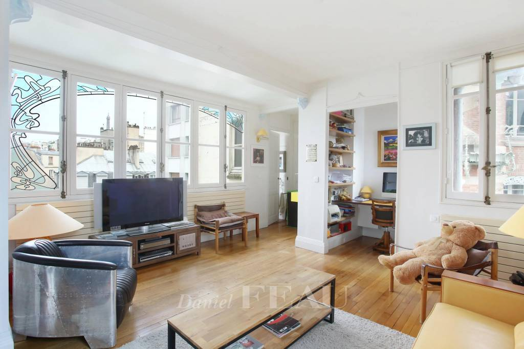 Paris 16th District – A bright and peaceful pied a terre
