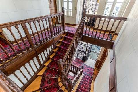 Stair High ceiling