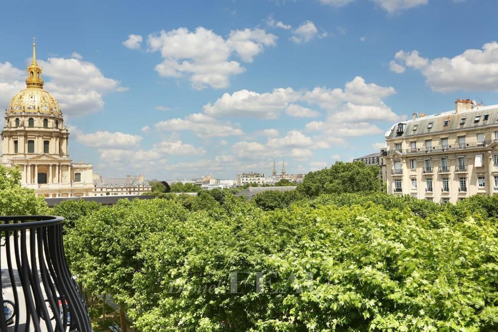Paris 7th District – A charming 3-room apartment