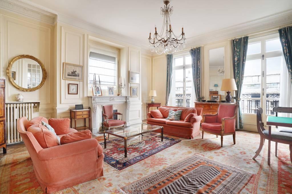 Living-room Chandelier Wooden floor
