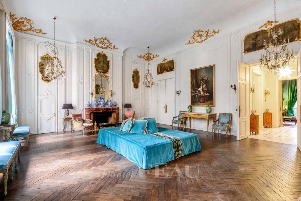 Chambre Parquet Lustre