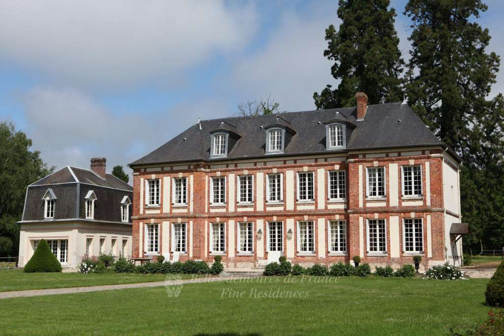 Rouen – An elegant Louis XIII-style manor house