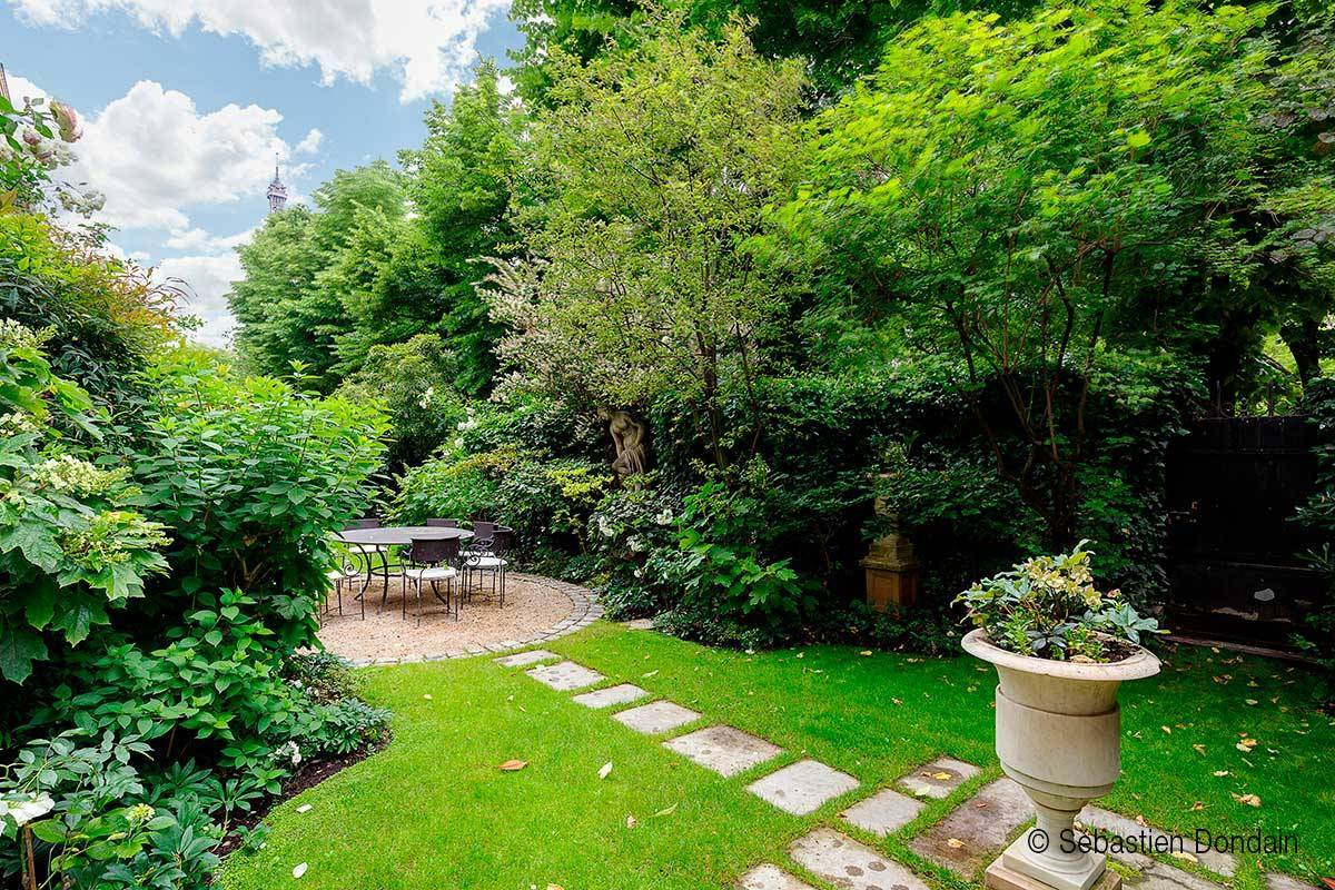 Real Estate - Treat yourself to a garden in Paris