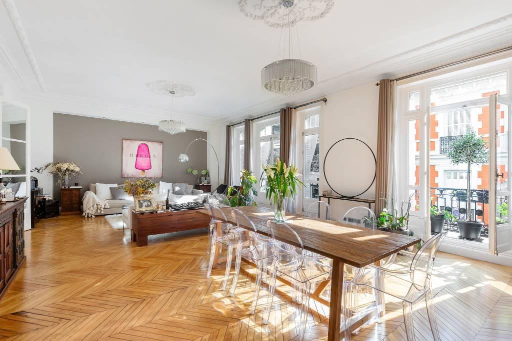 Foch / Pergolèse - 250 m² avec 5 chambres en parfait état