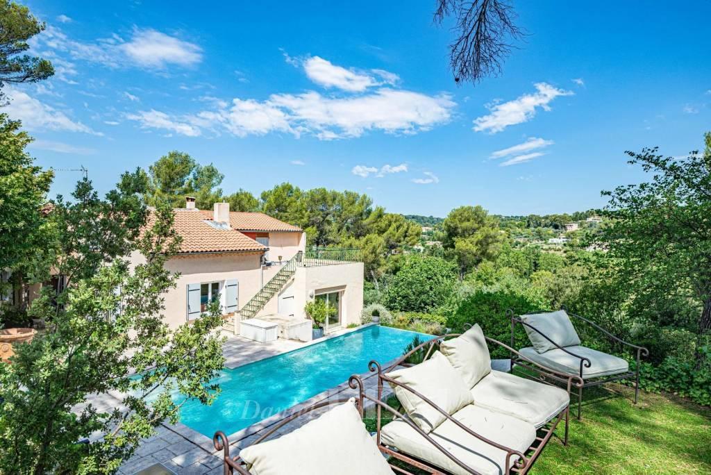 Aix en Provence – A delightful property