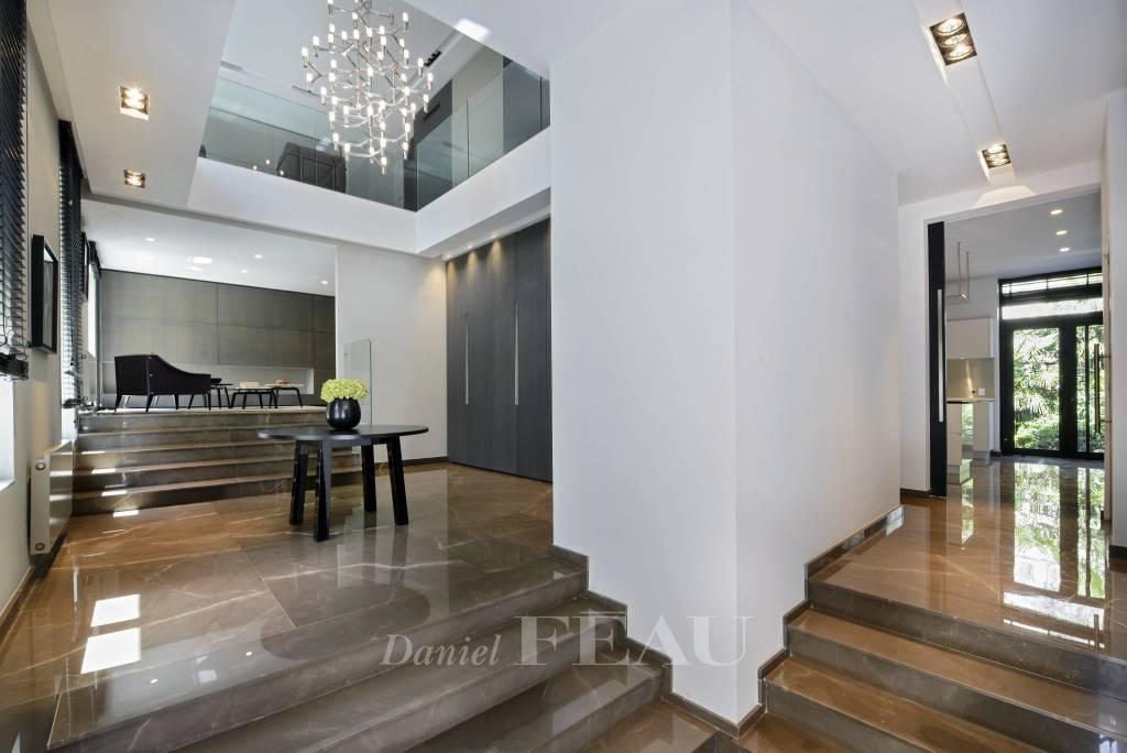 Entrance Chandelier Natural light Wooden floor