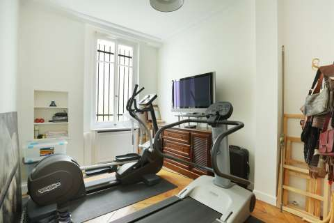 Exercise room Wood floors