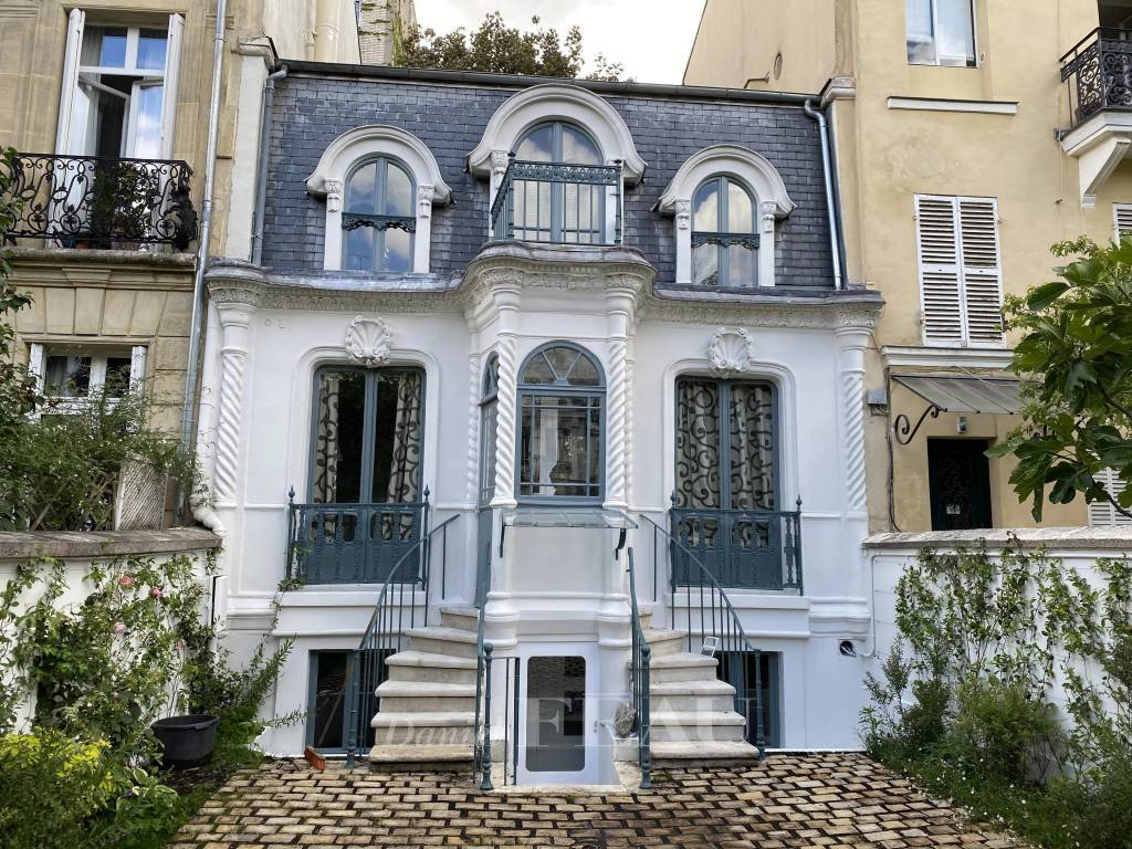 Paris XVIIe - Ravissant Hôtel Particulier - Cité des Fleurs