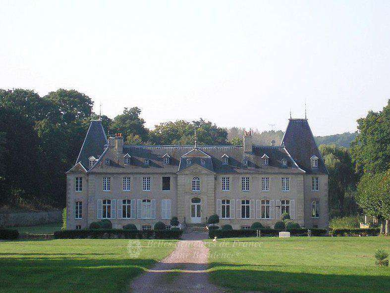 Caen – A listed 18th century chateau.