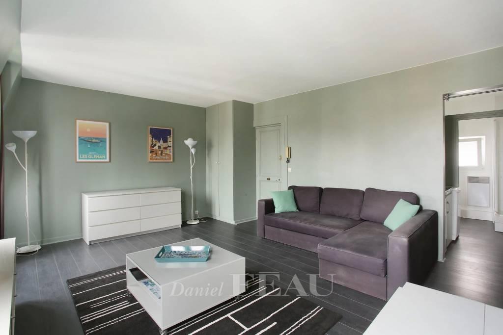 Neuilly-sur-Seine  -  A delightful studio apartment