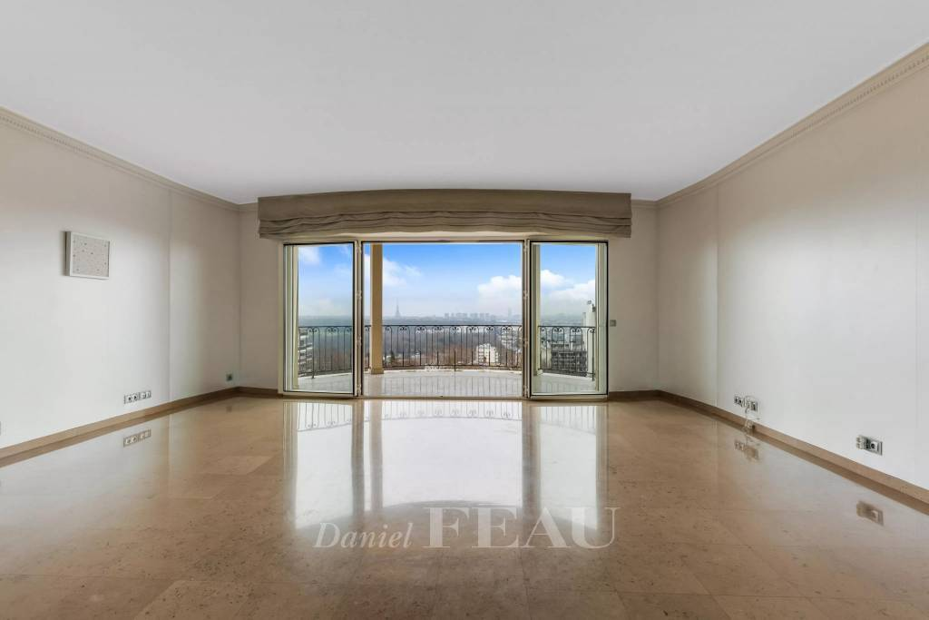 Saint-Cloud  -  A 3-bed apartment with a terrace