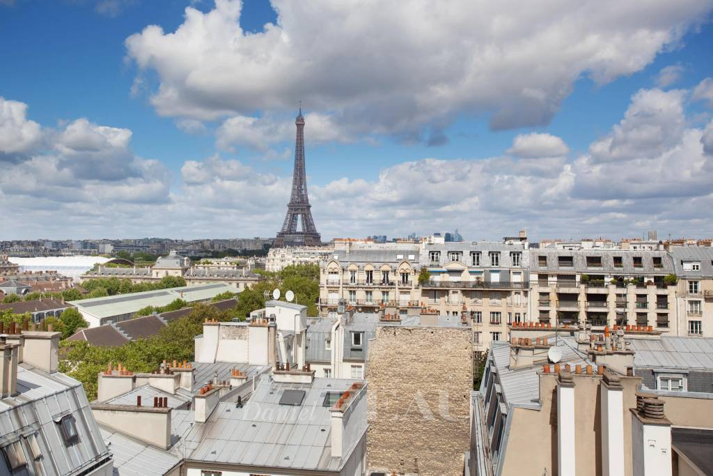 Paris VIIe - Invalides - Duplex dernier étage terrasse