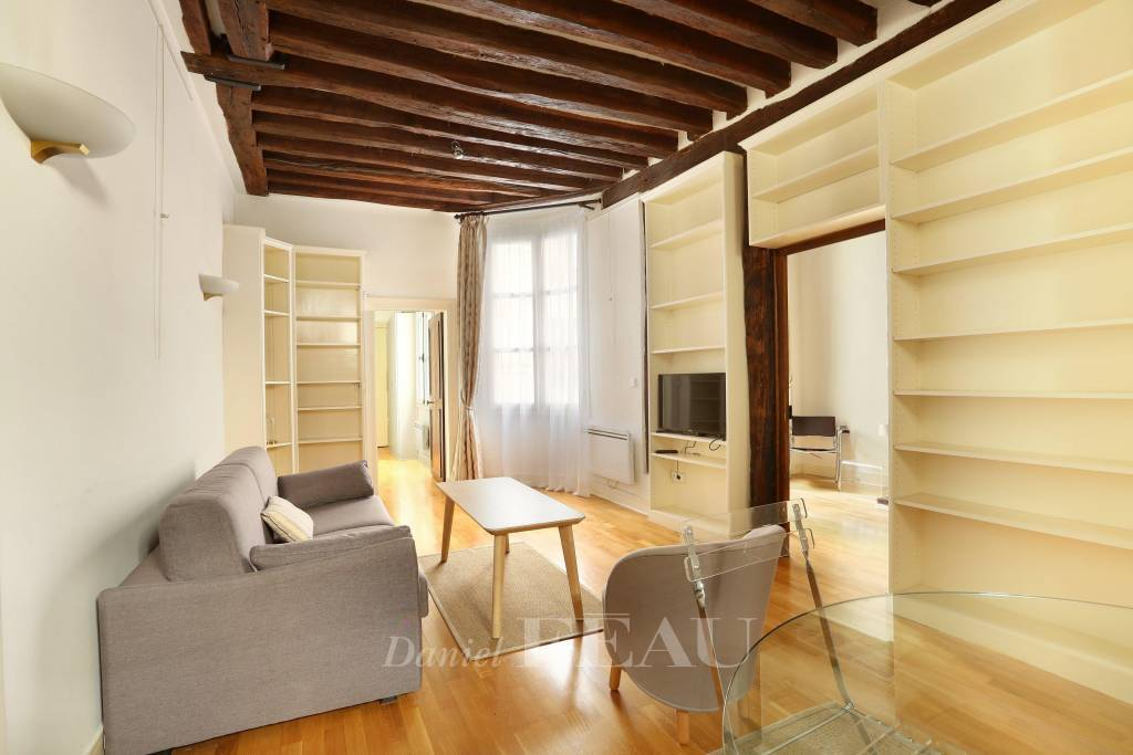Paris 6th District – A charming furnished apartment