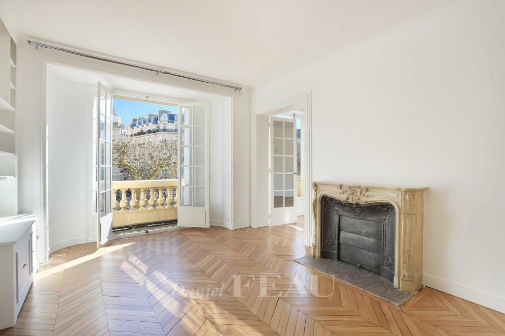 Paris 7th District – A beautiful 170 sqm 3-bed apartment