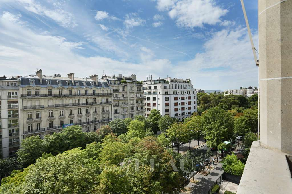 Paris 16th District – Superb family and reception apartment