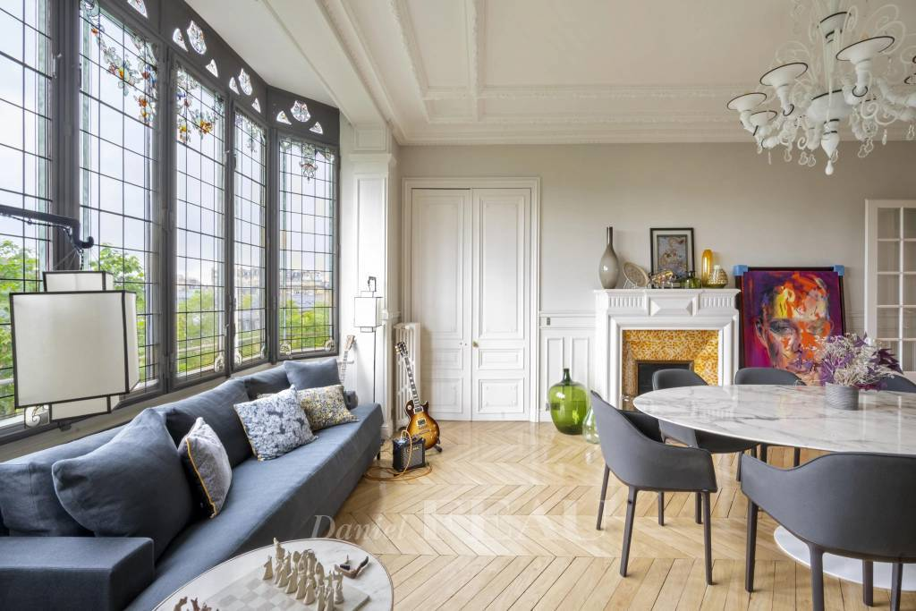 Paris 7th District – A superb 4/5-bed apartment with balconies
