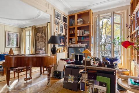 Study Wooden floor