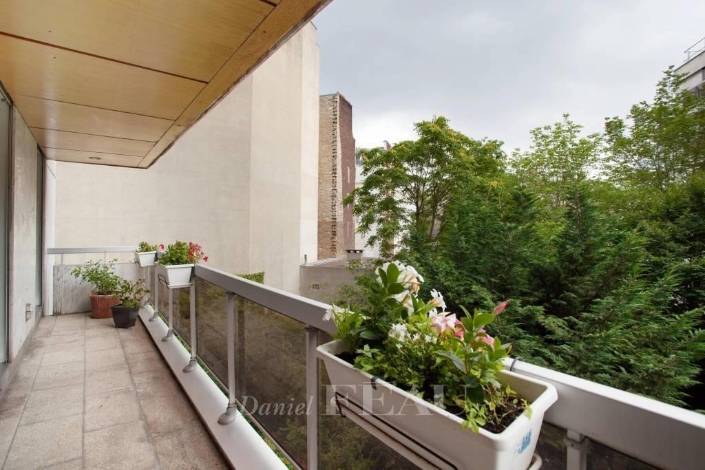 Paris XVIème Ranelagh Récent, balcon, trois chambres
