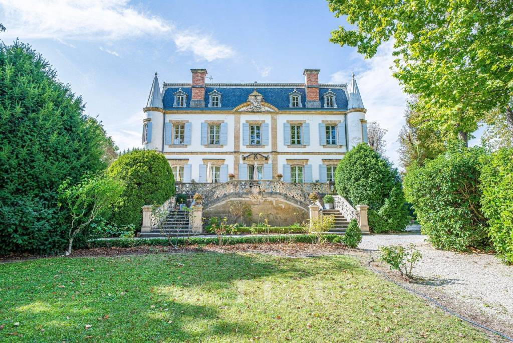 Puyricard – A luxurious apartment in a chateau