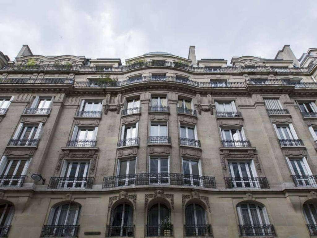 Paris 16th District – An elegant three bed apartment