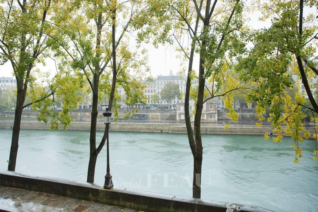 Rental Apartment Paris 4th Notre-Dame