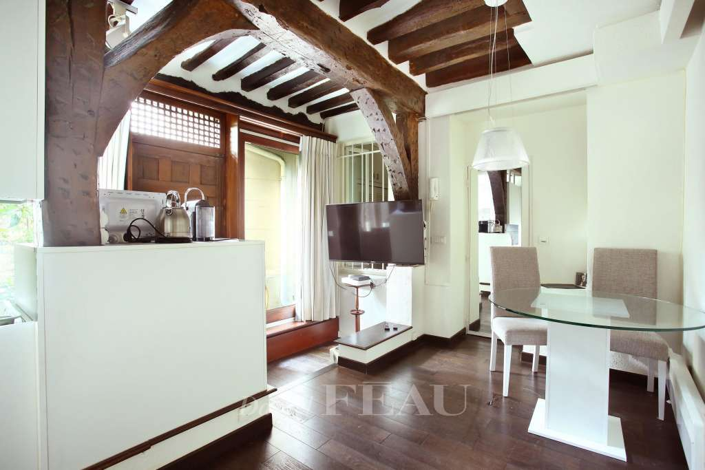 property_areas:10 property_flooring:1 : :