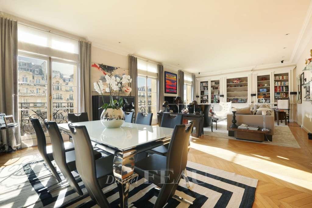 Paris 16th District – A spacious three-bed apartment