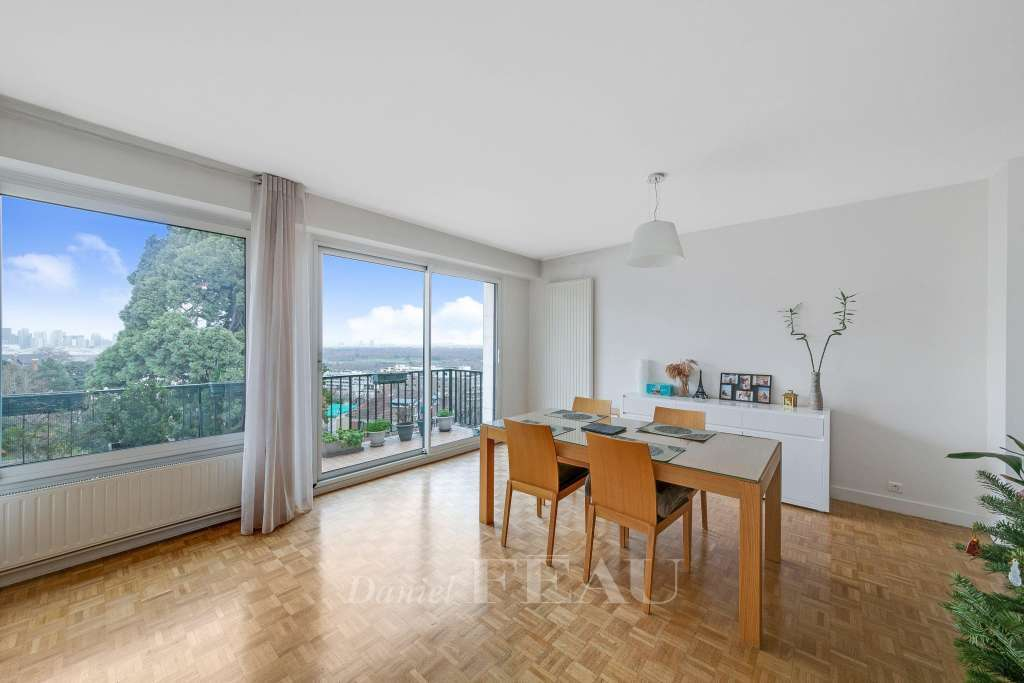 Saint-Cloud - A 86 sqm two-bed apartment