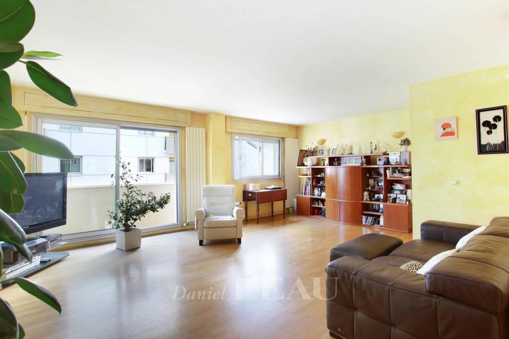 Sale Apartment Paris 11th Saint-Ambroise