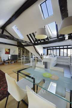 Garage Wood floors Skylight