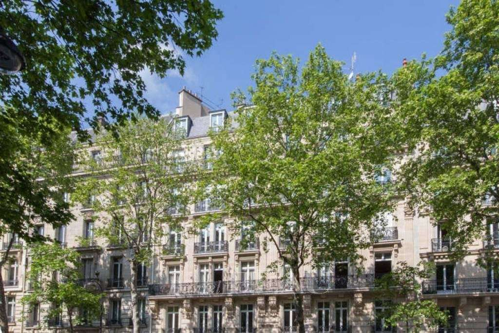 Paris 17th District – A near 200 sqm four-bed apartment