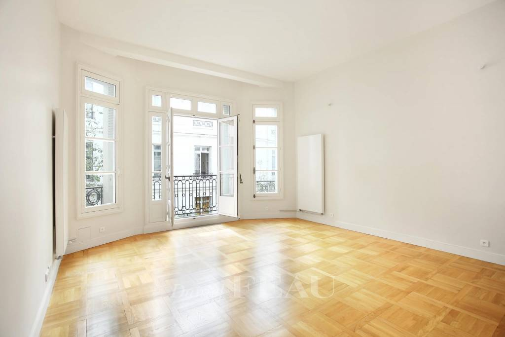 Paris XVIe - Rue de La Pompe.