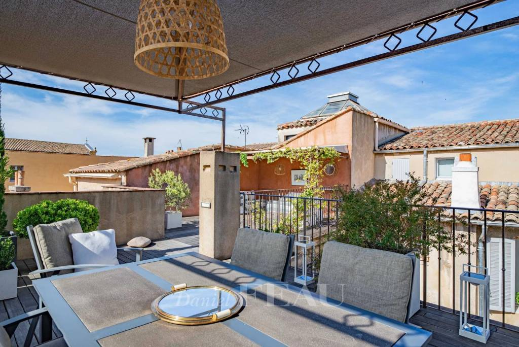 Aix en Provence - Appartement avec terrasse dans le centre ancien