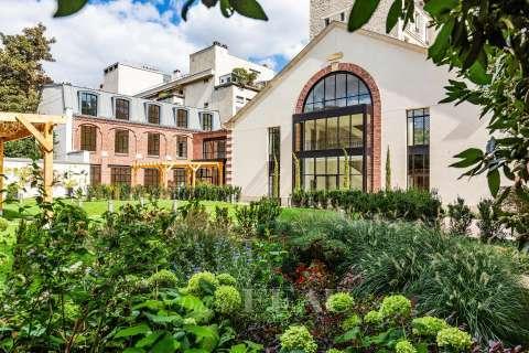 Sale Mansion Paris 7th