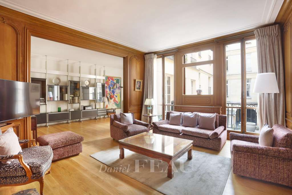 Paris 6th District – A near 150 sqm apartment in iconic Saint-Germain-des-Prés