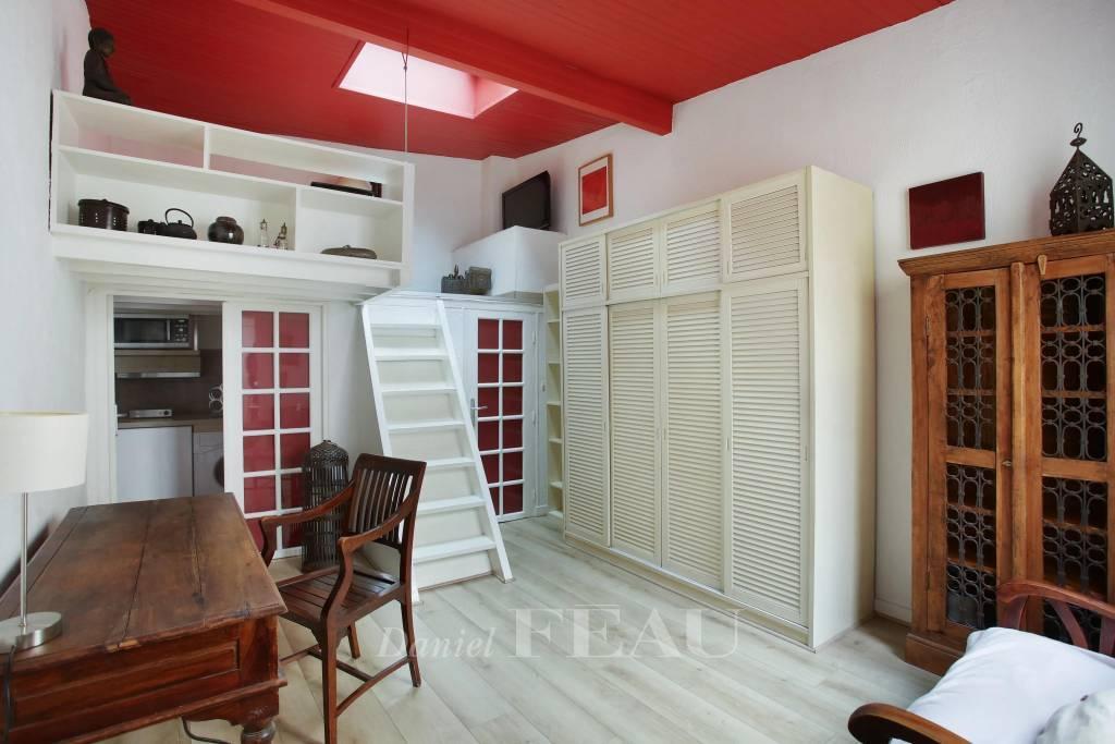 Paris 1st District – A charming studio apartment