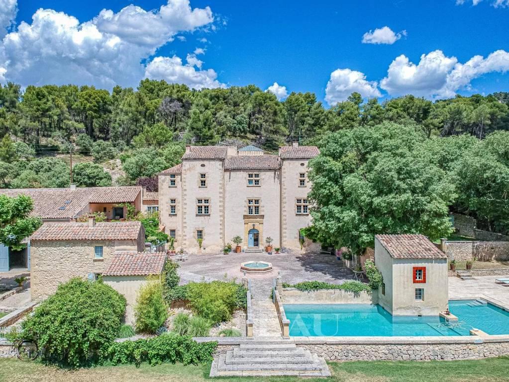 Luberon region – An exceptional 16th century château