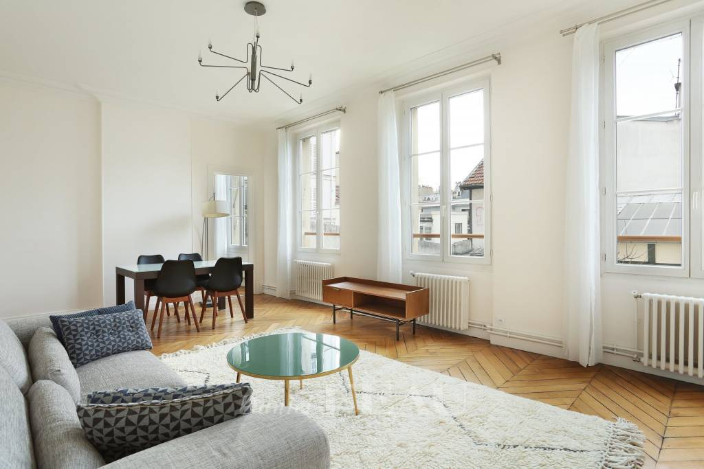 Paris 18th District – A 2-bed apartment rented furnished