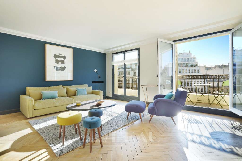 Paris 8th District – Prestigious Ave Montaigne