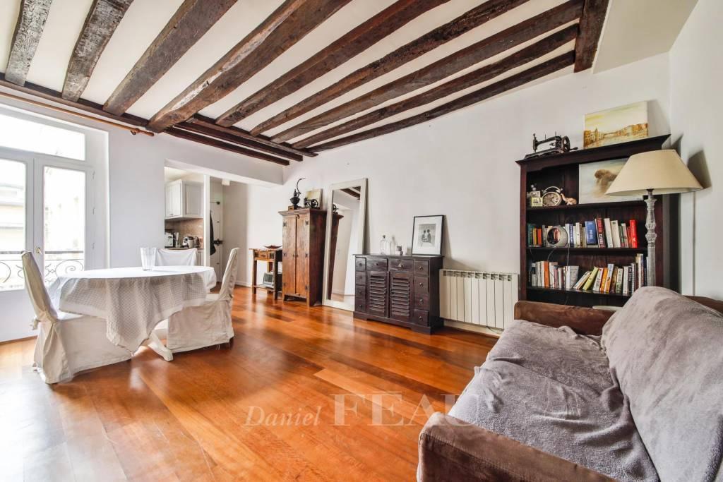 Paris 6th District – A charming pied a terre