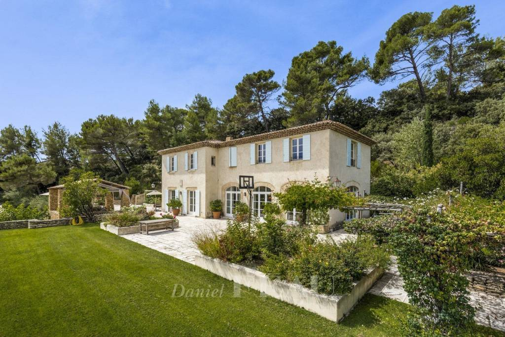 Aix en Provence – A unique property