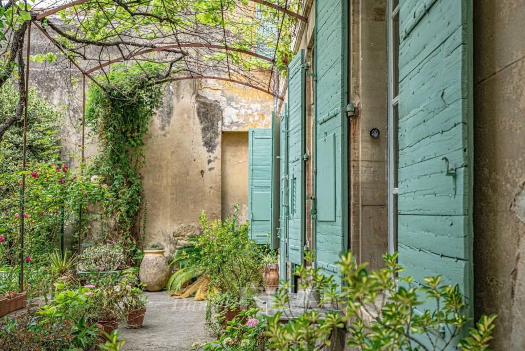 Carpentras – A historic private mansion