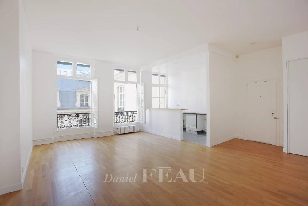 Paris 8th District – A bright and peaceful 2-bed apartment