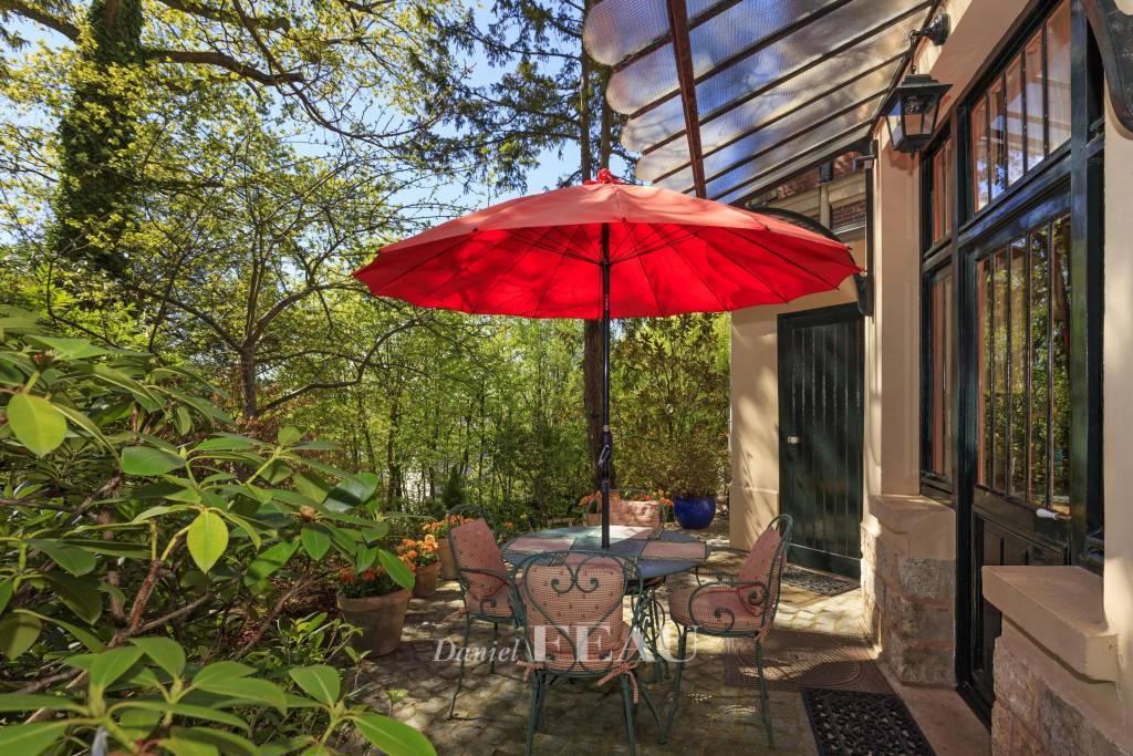 Appartement de réception - 4 chambres - Jardin de 900 m² et terrasse