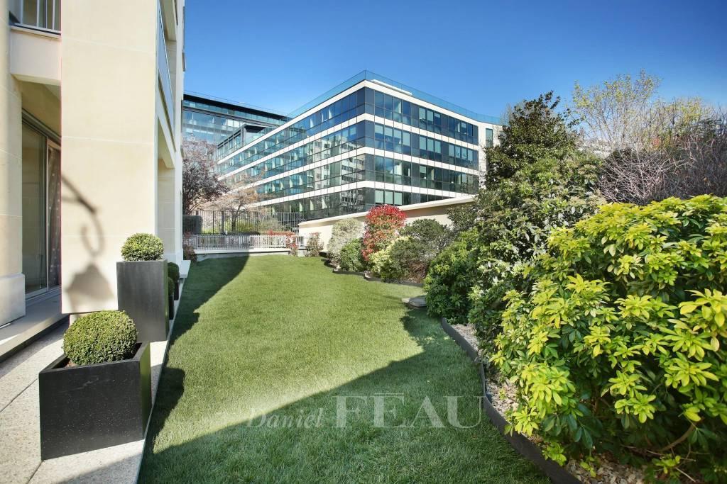Neuilly - Bois - Duplex avec jardin comme une maison