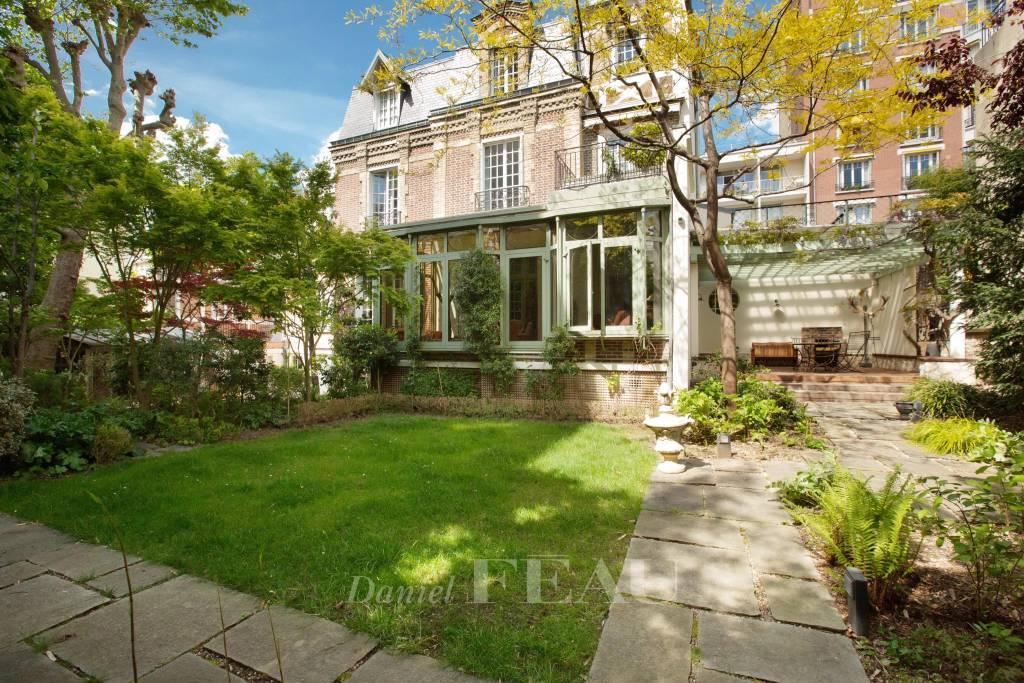 Neuilly - Maison familiale avec jardin sans vis-à-vis