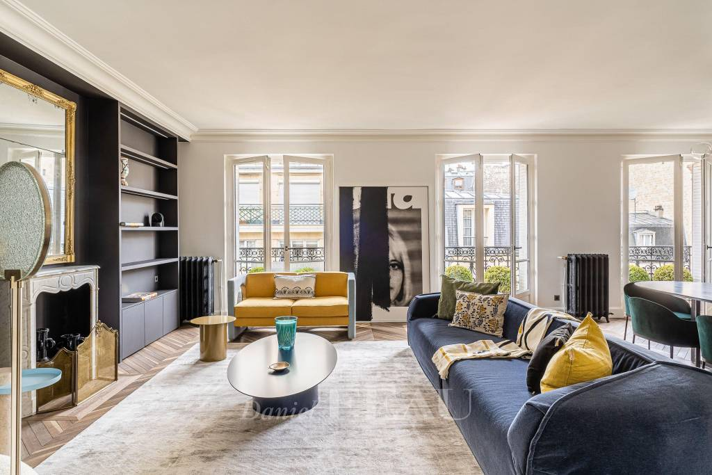 Paris 6th District – A renovated pied a terre