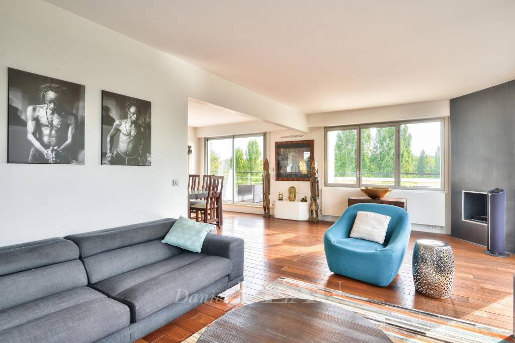 Saint-Cloud  -  A 2/3 bed apartment with a 70 sqm terrace